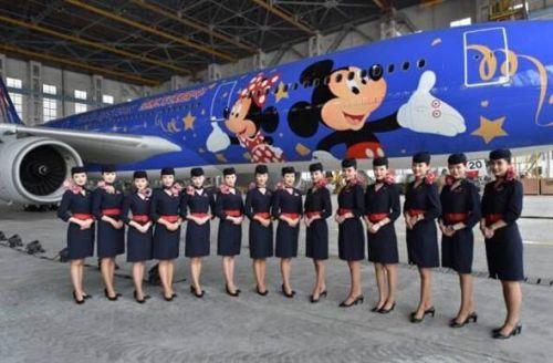 东方航空迪士尼定制飞机