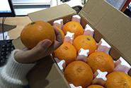 快递脐橙寄时每箱18斤,到后竟不足15斤
